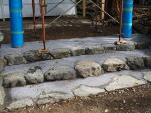 先日建て替えられた拝殿前の鳥居、須原大社(伊勢市一之木)