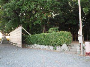 社務所が消えた御薗神社(伊勢市御薗町王中島)