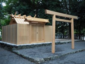 御遷座を終え古殿が姿を消した清野井庭神社(豊受大神宮 摂社)