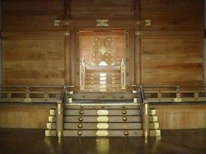 修繕を終えた拝殿から本殿への・・・(豊川茜稲荷神社)