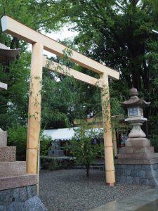 三基の鳥居も姿を現した須原大社(伊勢市一之木)