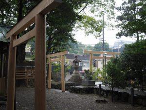 新しい三基の鳥居(須原大社)