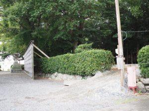 社務所の建て替えは基礎工事中(御薗神社)