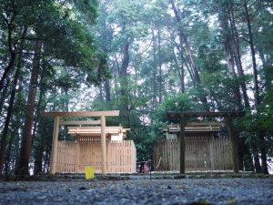 上棟祭前日の朝、小社神社(皇大神宮 末社)