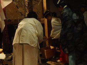 本殿遷座祭、茜社(伊勢市豊川町)
