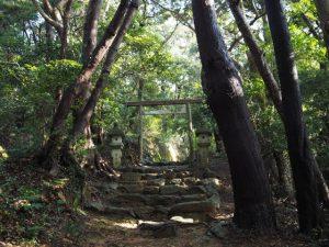 海に面した鳥居〜伊射波神社(鳥羽市安楽島町)