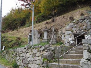 秋葉山公園登り口付近(松阪市射和町)