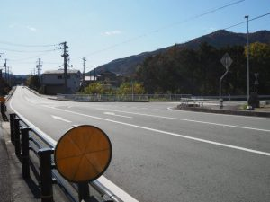 国道42号、三瀬坂峠里登り口付近(熊野古道)