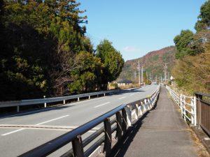 国道42号、岩瀧神社付近(度会郡大紀町)
