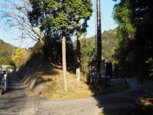 筆捨山付近、国道1号(亀山市関町市瀬)