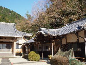 法安寺の本堂と庫裡(亀山市関町坂下)