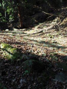 石畳(片山神社〜国道1号高架下)
