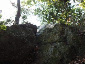(19)鈴鹿峠-C 234 鈴鹿山の鏡岩