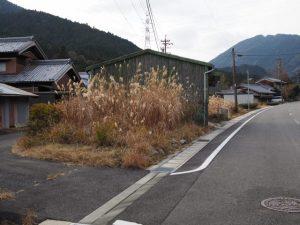 細い旧道(亀山市関町坂下)
