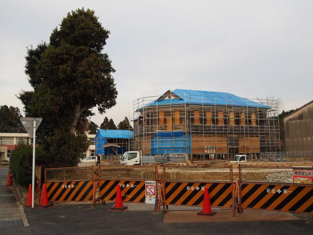 耐震補強その他工事中の旧明村役場庁舎(津市芸濃町林)