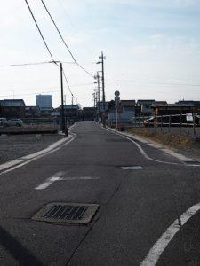 桑名駅西口から南方向へ