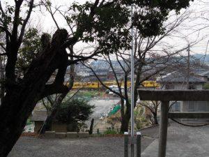 上野神社から望む三岐鉄道北勢線